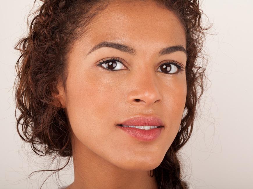 https://kimberlyakinola.files.wordpress.com/2013/05/are-cosmetics-the-secret-to-looking-younger.jpg