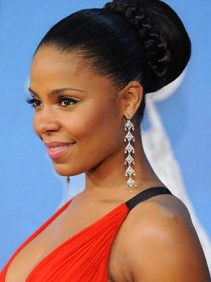 https://kimberlyakinola.files.wordpress.com/2013/05/ashanti-braided-bun-updo-hairstyles.jpg?w=720