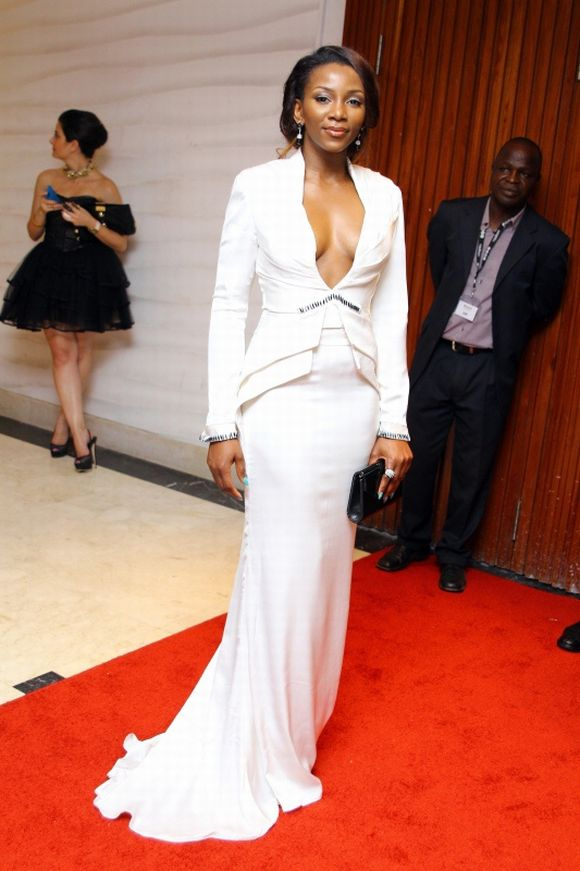 https://kimberlyakinola.files.wordpress.com/2013/05/genevieve-nnaji-amvca-awards-white-outfit.jpg?w=720