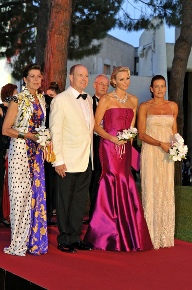 https://kimberlyakinola.files.wordpress.com/2013/05/princess-caroline-red-cross-ball-and-monaco-charlene-wittstock-duro-olowu.jpg?w=720
