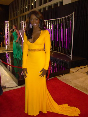 https://kimberlyakinola.files.wordpress.com/2013/05/tiwa-savage-in-toju-foyeh-design.jpg?w=720