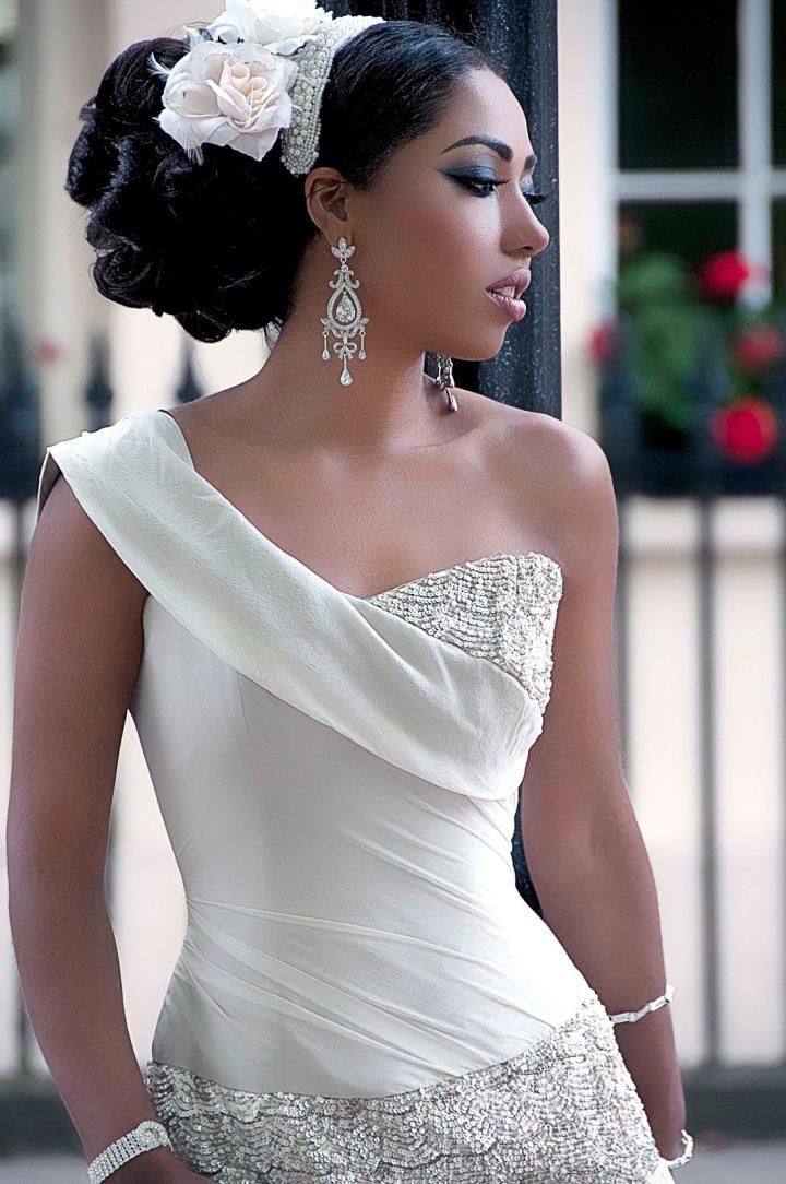 https://kimberlyakinola.files.wordpress.com/2013/05/yemi-kosibah-couture-bridal-gown.jpg?w=720